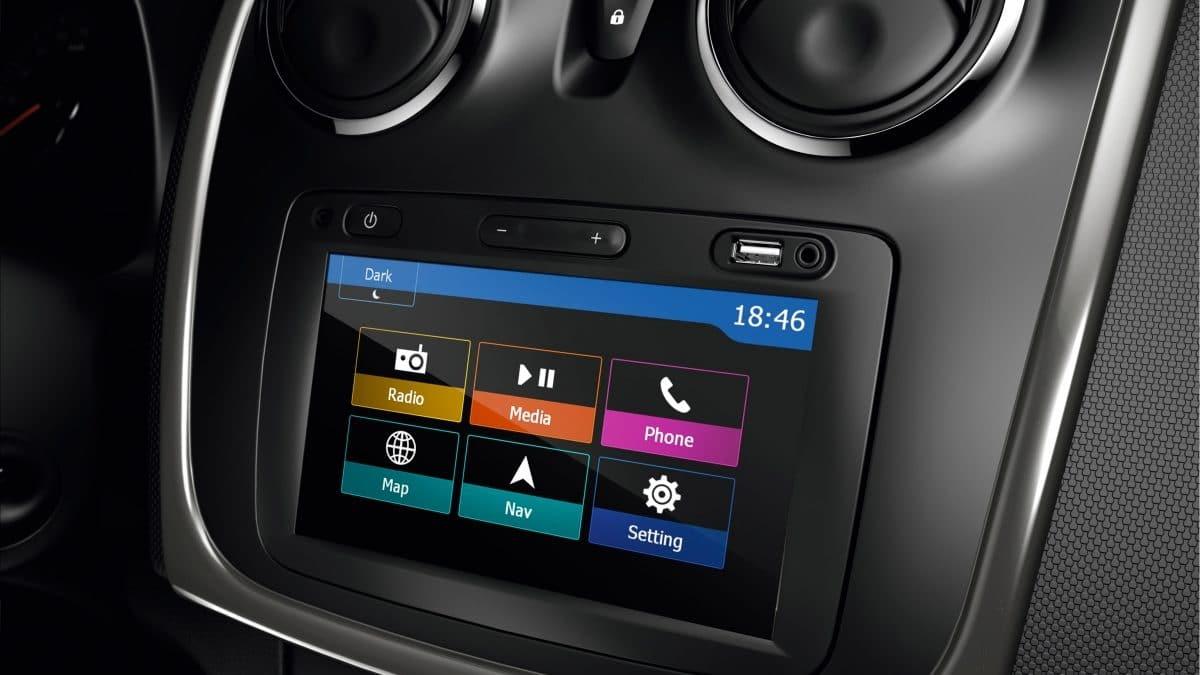 Cum conectezi Dacia Media Nav Evolution la Android Auto